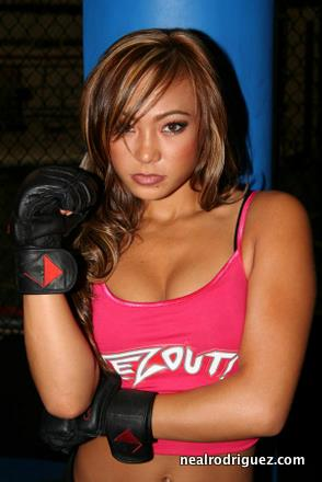 Michelle Waterson - Put Your Hands Up!